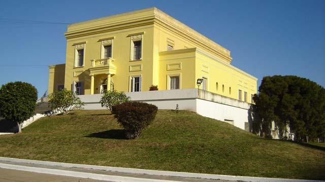 La ciudad vendi los terrenos de casa amarilla a boca for La casa amarilla banos
