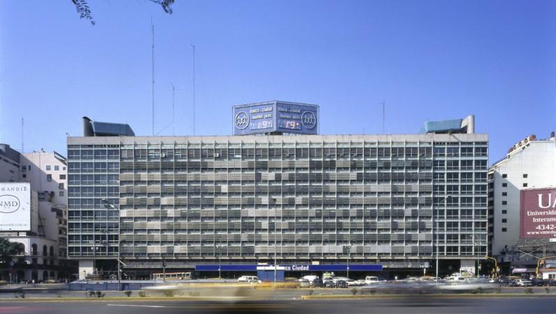 El Grupo IRSA Compr Edificio Del Plata