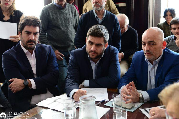 Los-funcionarios-porteños-Andrés-Ballota-y-Juan-Pablo-Fasanella-y-el-legislador-Alejando-García.-750x500