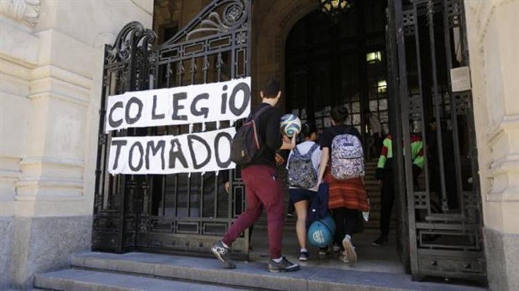 Colegio Tomado